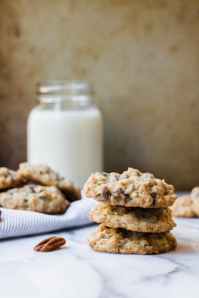 chocolate oat pecan cookies