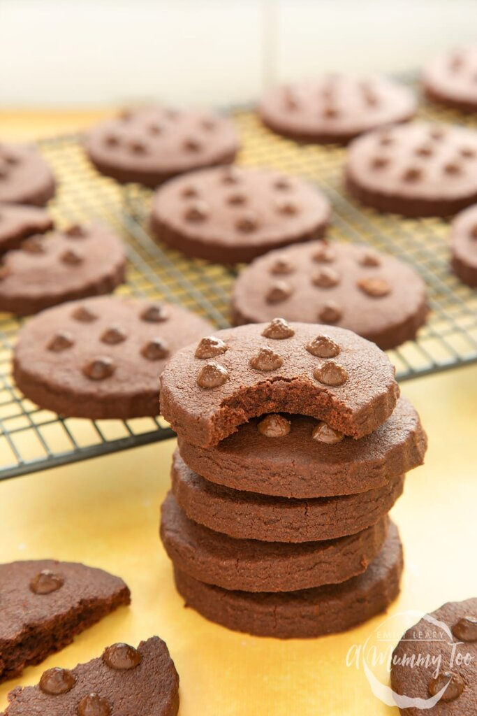 chocolate-shortbread