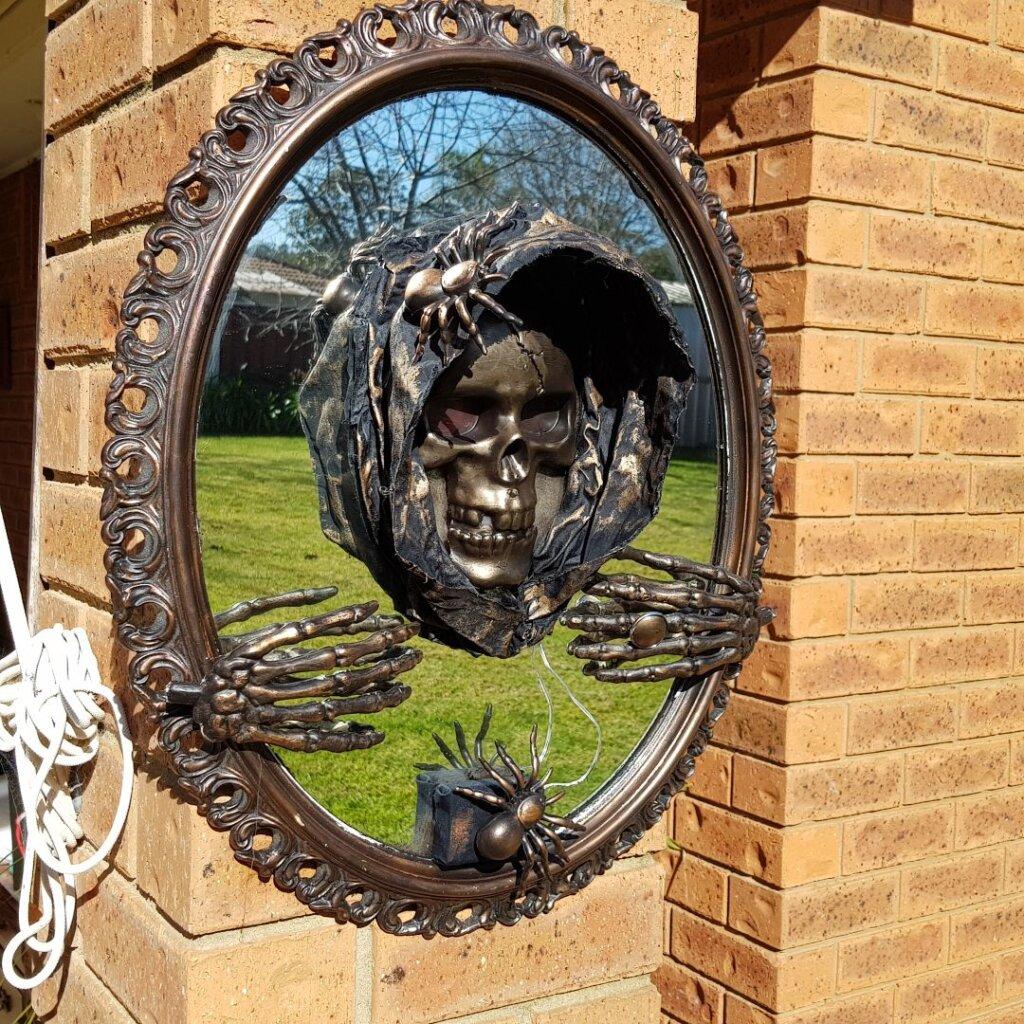 3D Halloween mirror