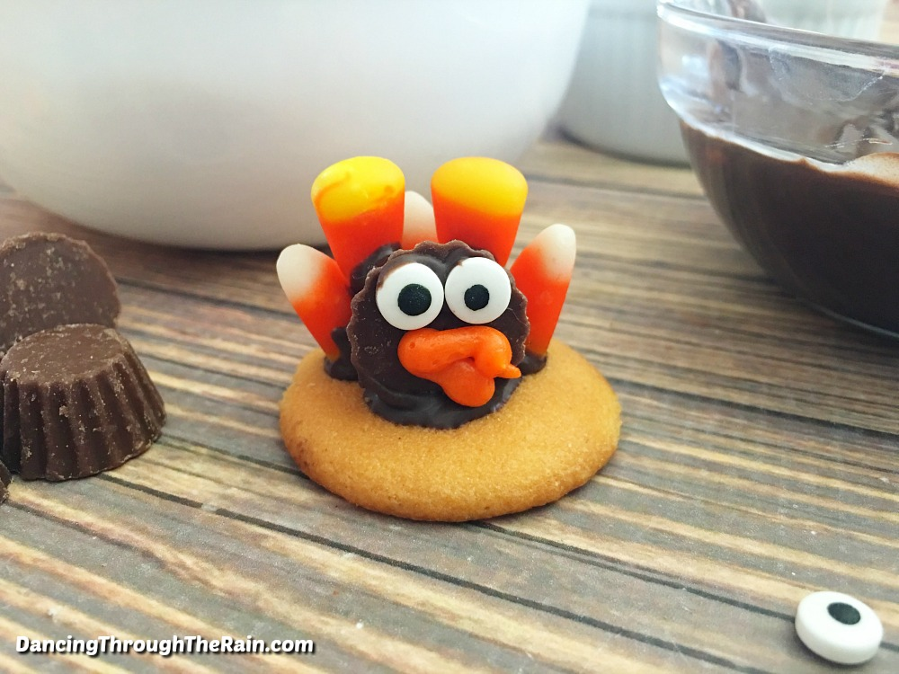 Thanksgiving dessert turkeys